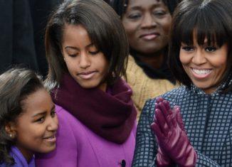 michelle-obama-et-ses-filles-326x235